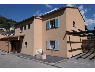 appartement 4 pieces terrasse de 72m² à escarene